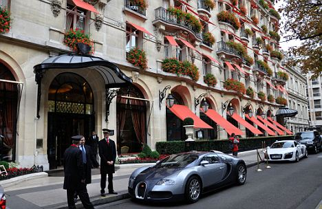 plaza athenee hotel in paris